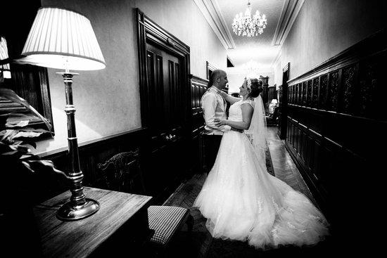 Rowton Hall Hotel: Corridor (David Paul Photography)