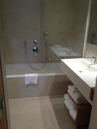 Hotel Dubrovnik Palace : badkamer