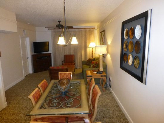 Sheraton Vistana Resort - Lake Buena Vista: salle à manger vu de la cuisine