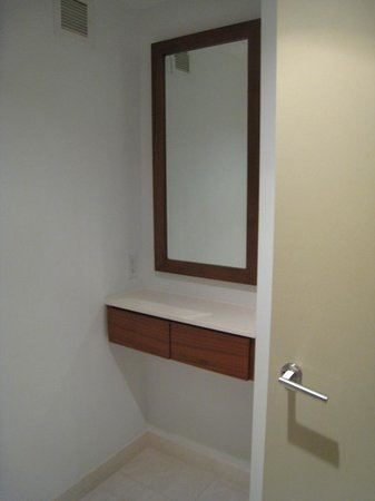 Cassa Hotel 45th Street New York: spacious bathroom