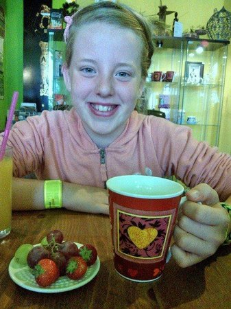 Georgia & Ellen enjoying lunch at the Mystery Tea House