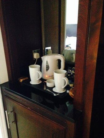 St. Pierre Marriott Hotel & Country Club: Tea/coffee facilities
