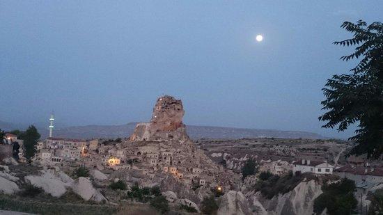 Hezen Cave Hotel: Luna grande a Ortahisar