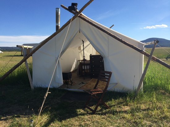 Yellowstone Under Canvas : Amazing tent!