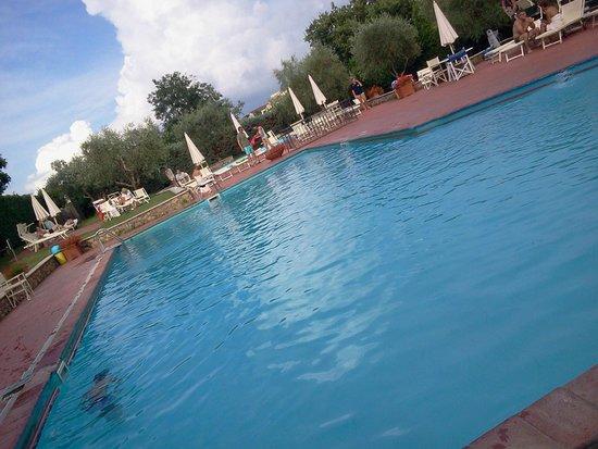 Hotel Garden: la piscina.....