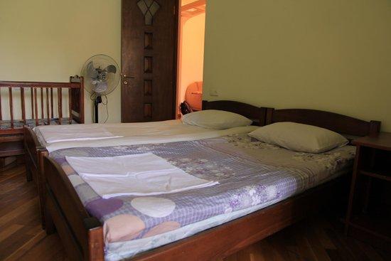 Yerevan Hostel : Bed room