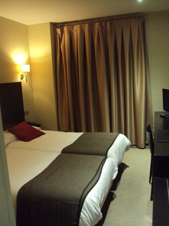 Hotel Monasterio Benedictino: Habitación doble estándar.