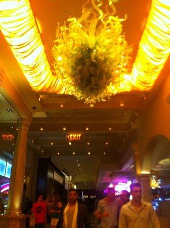 Borgata Hotel Casino & Spa: Walking Through the Hotel
