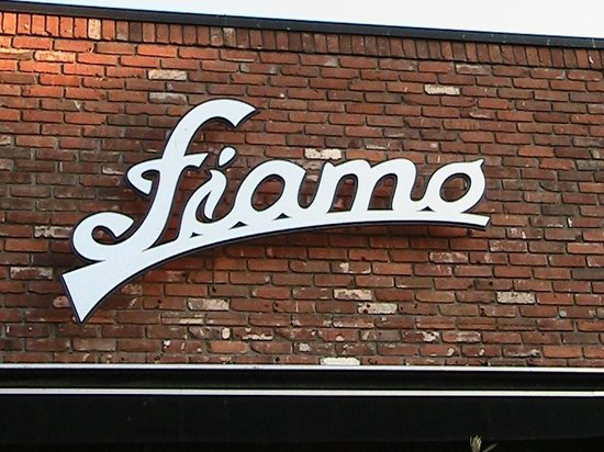 Fiamo Italian Kitchen : Fiamo name on building.