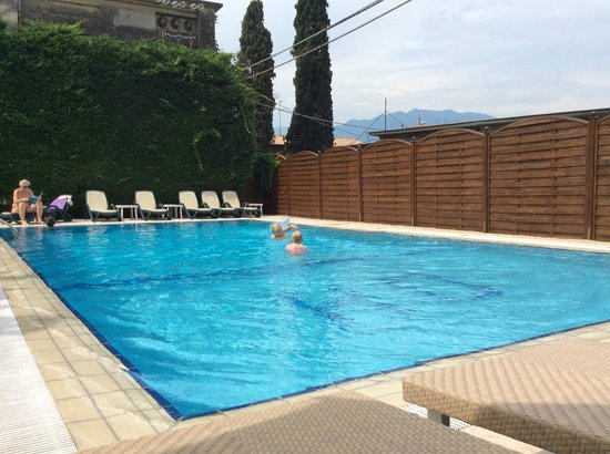 Hotel Garni Diana: Pool area