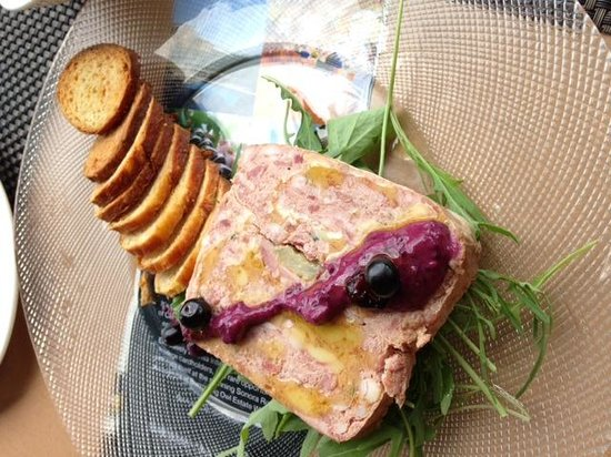Burrowing Owl Estate Winery Guest House: Pate