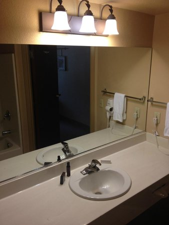 The Grand Hotel at the Grand Canyon: Sink area