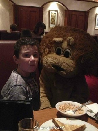Springhill Court Conference, Leisure & Spa Hotel: Lenny the Lion at breakfast