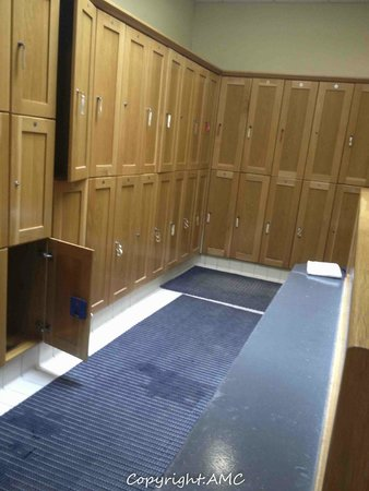Springhill Court Conference, Leisure & Spa Hotel: changing room at pool
