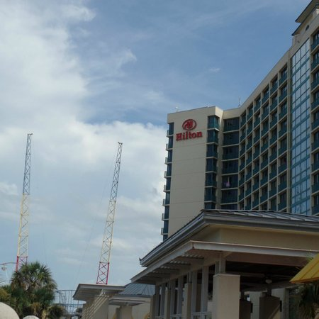 Hilton Daytona Beach Oceanfront Resort : Front view
