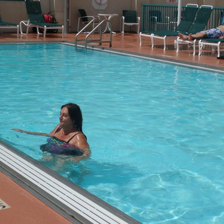 Hilton Daytona Beach / Ocean Walk Village: Roof top pool