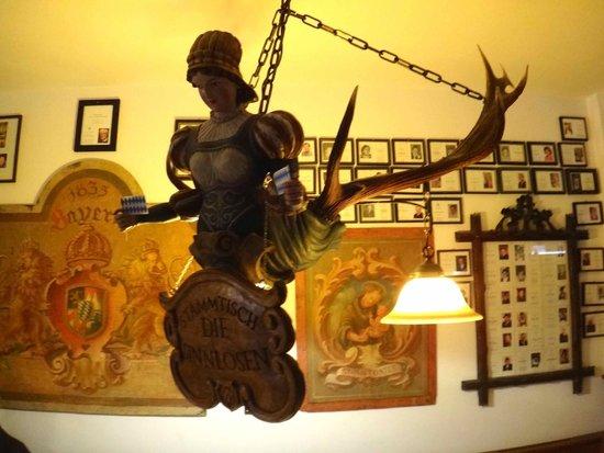 Werdenfelser Hof: Decoration for stammtisch table