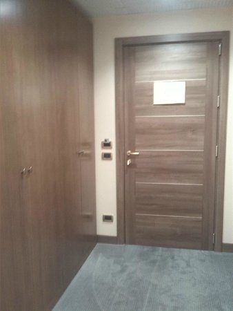 Thai Si Royal Thai Spa & Hotel: entrata camera
