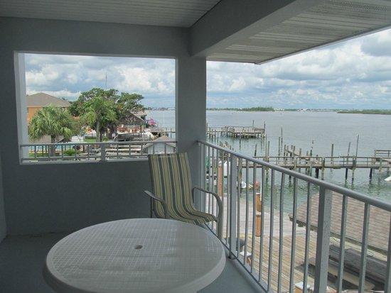 Dockside Inn & Resort: View from balcony