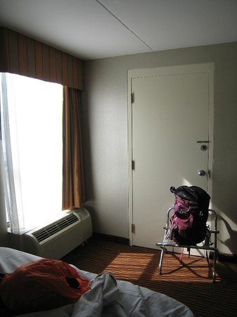 BEST WESTERN Executive Hotel of New Haven-West Haven: door to adjoining room
