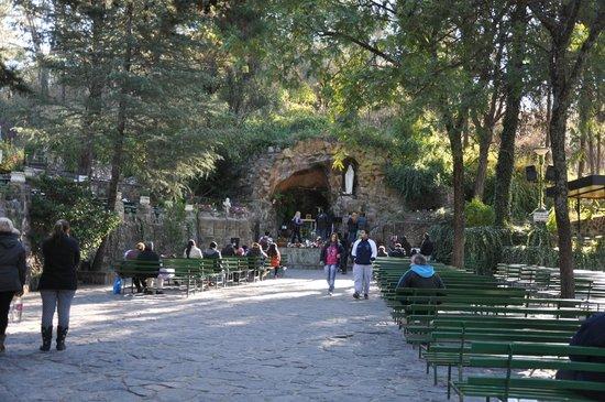Gruta de Lourdes Alta Gracia: Vista de la Gruta