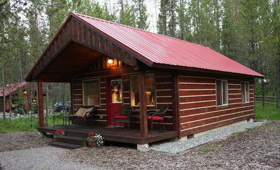 Living area picture of reclusive moose cabins columbia for Reclusive moose cabins