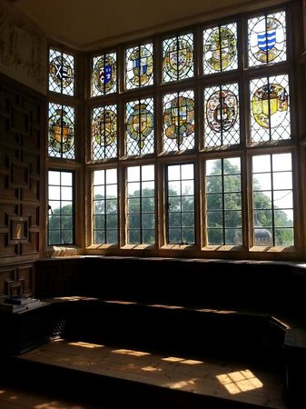 Montacute House: Beautiful stained glass window