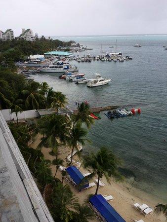 GHL Relax Hotel Sunrise: Ótima vista, proximidade das saídas turísticas, porém a praia é precária.