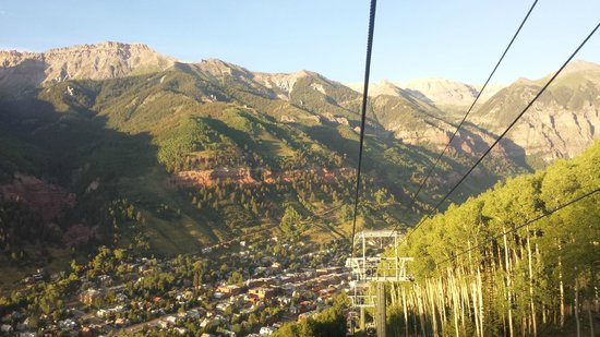 Mountain Lodge Telluride, A Noble House Resort: Gondola ride to Telluride