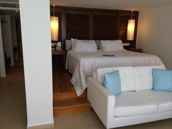 Amirandes, Grecotel Exclusive Resort : Номер с видом на море,  бассейном и тренажерным залом