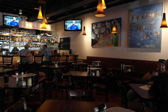 Minsky's Pizza: Seating and Art Work