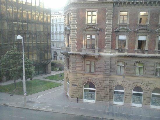 The Levante Parliament: Vistas desde las habitaciones