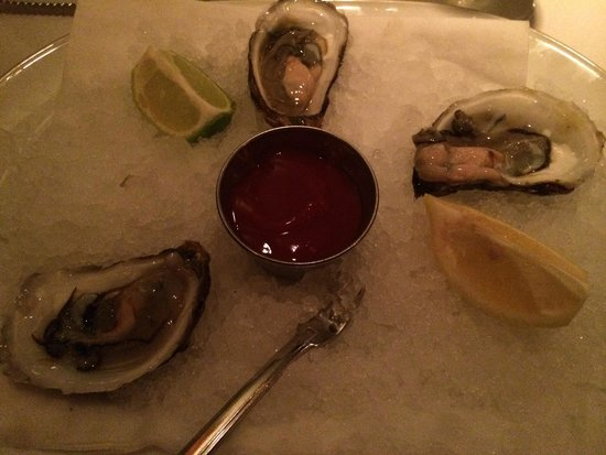 Arroyo Chop House: Fresh oysters