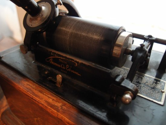 Siegfried's Mechanisches Musikkabinett: An Edison phonograph cylinder - you will get to hear it play music