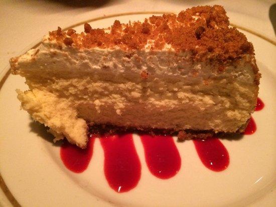 Arroyo Chop House : Cheesecake is average
