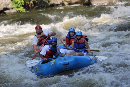 5 Rivers Adventures: Rafting
