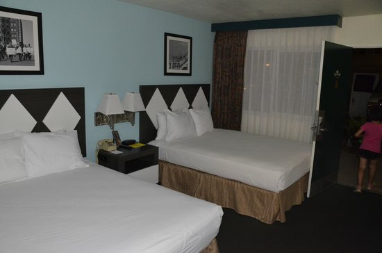 Kings Inn San Diego : Double Queen Bed Room