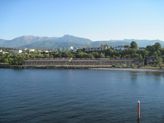 Red Lion Hotel Port Angeles: View of Red Lion from Co/Ho ferry heading for Victoria.