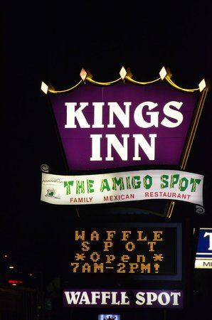 Kings Inn San Diego : Signage for Motel