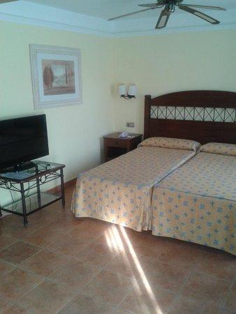 Suite Hotel Atlantis Fuerteventura Resort : Dormitorio