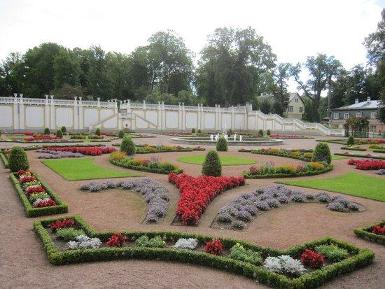 Kadriorg Palace : Jardines del recinto