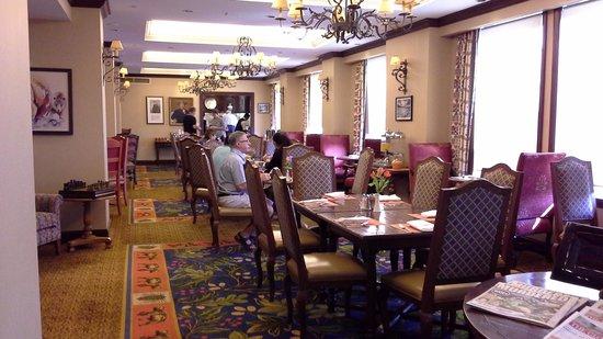 Fairmont Chateau Lake Louise : Private lounge