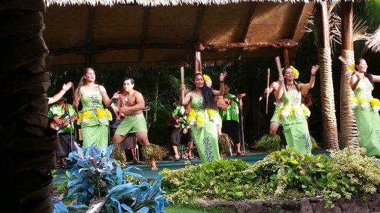 Polynesian Cultural Center: Samoan Style Luau performance
