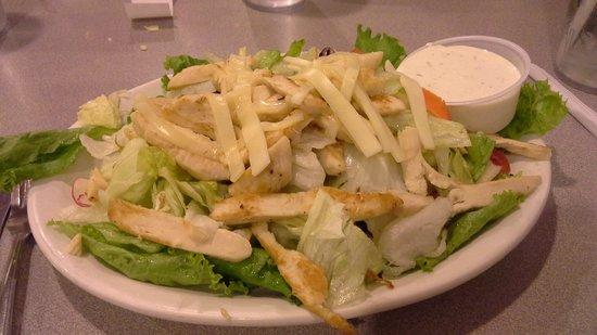 Canyon Street Grill : chicken cobb salad