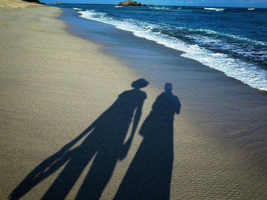 Four Seasons Resort Punta Mita: shadow selfies taken during a morning walk down the beach
