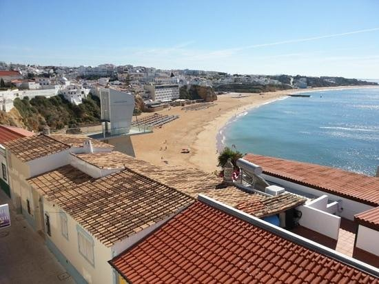 Apartamentos Rossio Mar: The seaview from the rooftop balcony