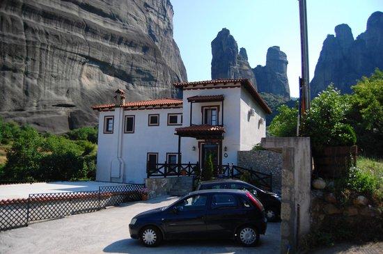 Pyrgos Adrachti : Front of the lodge - amazing!