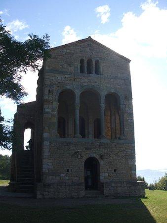 San Miguel de Lillo: Santa Maria del Noranco