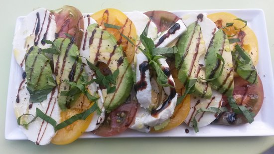 15 degrees c : Caprese salad with avocado