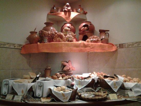 Eco Inn Cusco: bufet.....exquisitos panes caseros
